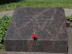 Дмитров, Братская могила красногвардейцев